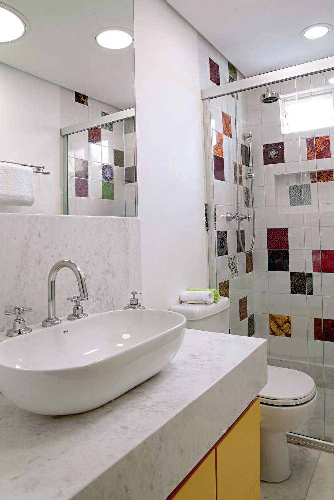 decoracao banheiro social pequeno:Banheiro pequeno e criativo